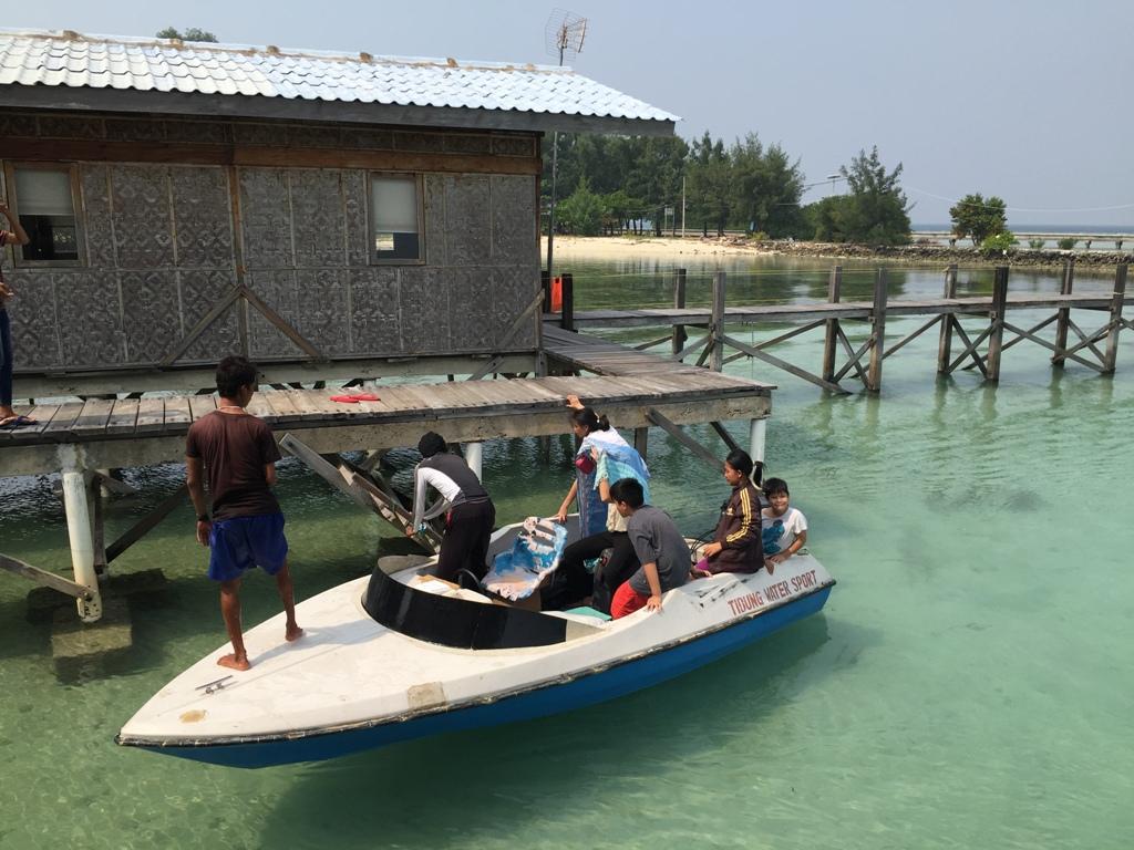 Speed boat siap setiap saat antar/jemput